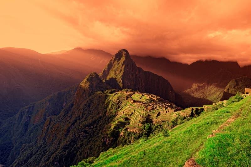Der Sonnenuntergang in Machu Picchu
